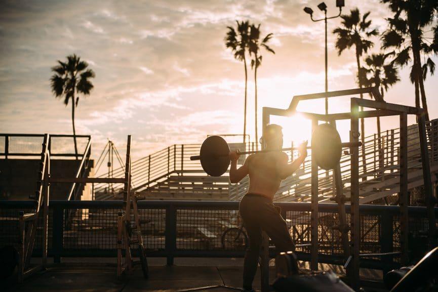 אימון כושר אישי - הרמת משקולות