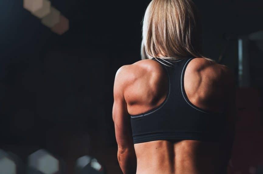 5 טיפים לשמור על גב זקוף